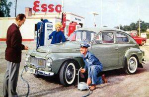 Volvo P544 Retro Mainos Esso